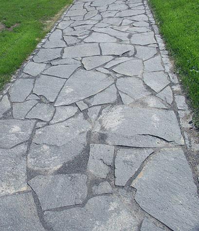 basalt polygonalplatten weggestaltung