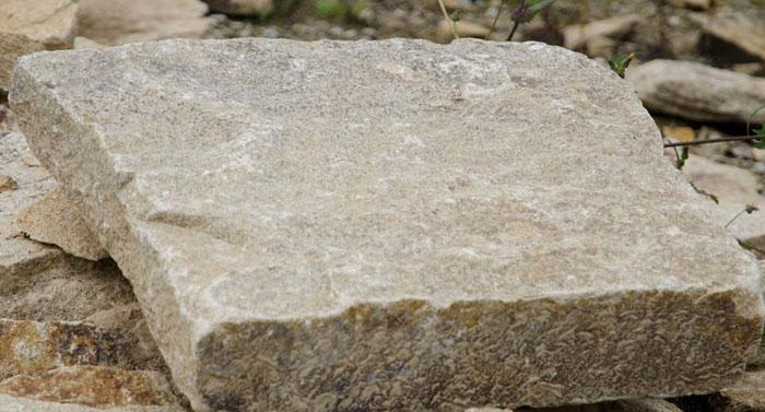granit polygonalplatten einzeln auf schicht